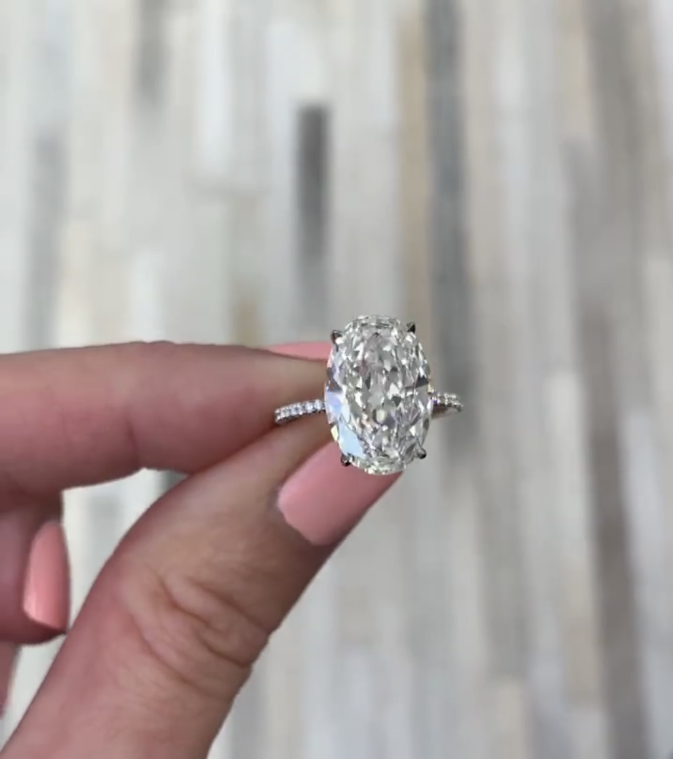 Luxury 100% 925 Sterling Silver Created Oval Cut 4ct Diamond Wedding Engagement Cocktail Women Moissanite Rings Fine Jewelry