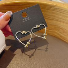 2021 Fashionable Simple Design Feeling Temperament Love Earrings Zircon Personality Net Red Same Style Earrings Woman