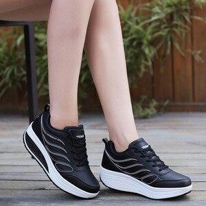 Image 3 - Designer Weiß Plattform Turnschuhe Casual Schuhe Frauen Tenis Feminino Frauen Keile Schuhe Schuhe Korb Femme trainer frauen