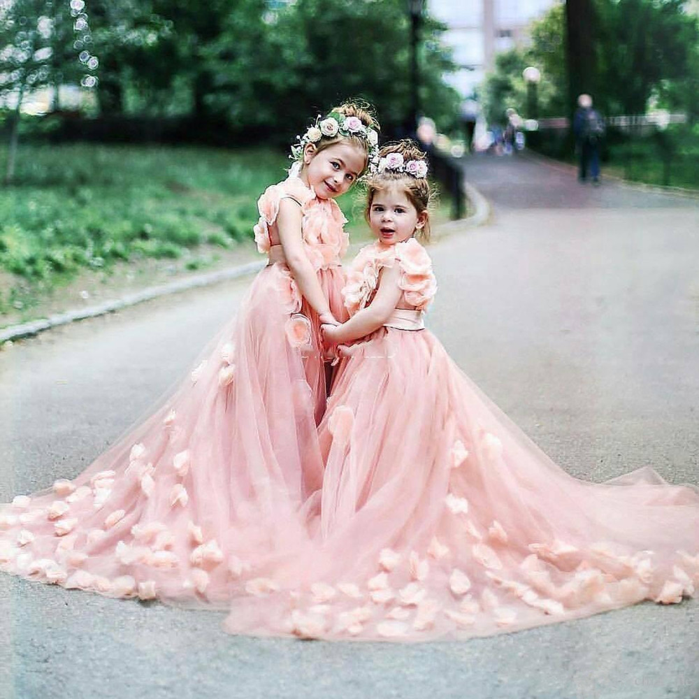 Pink Flower Girls Dresses For Weddings With Handmade Flowers Sweep Train Tulle Girls Pageant Dress Lovely Kids Birthday Gowns
