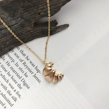 Uilz moda mini croissants pingente colar para as mulheres na moda adorável cor do ouro metal minúsculo modelagem colar 2020 novo un2219