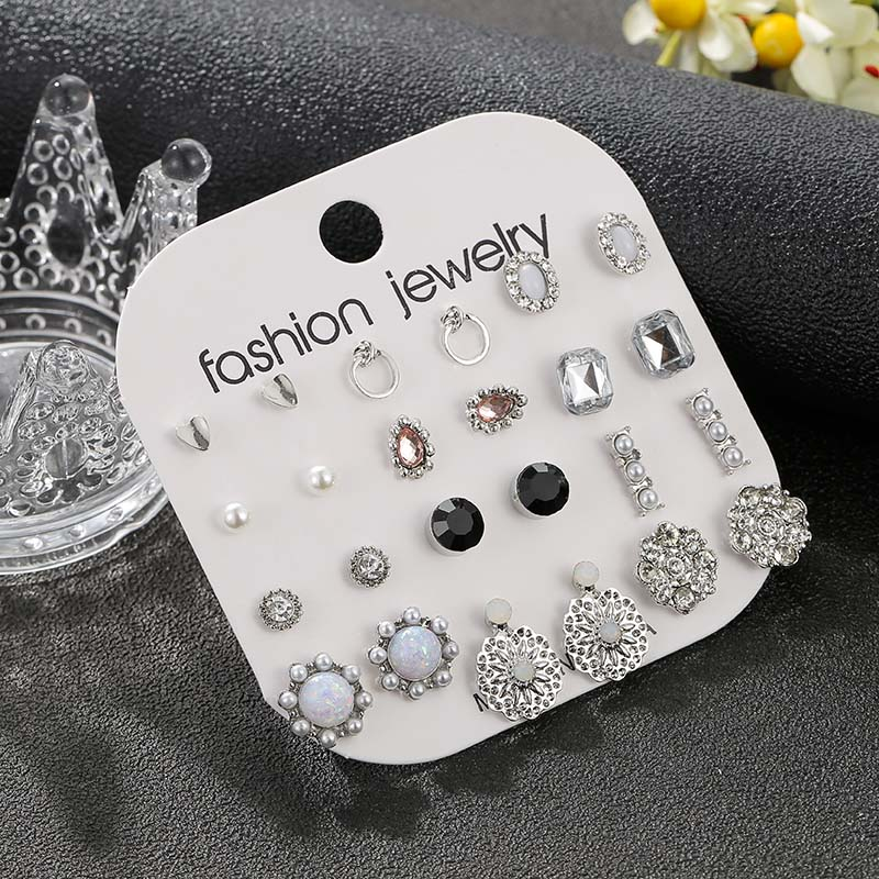 Earrings for Women Trendy Mixed Rhinestone Crystal Heart Stud Earring Fashion Imitation Pearl Party Wedding Earrings Gift