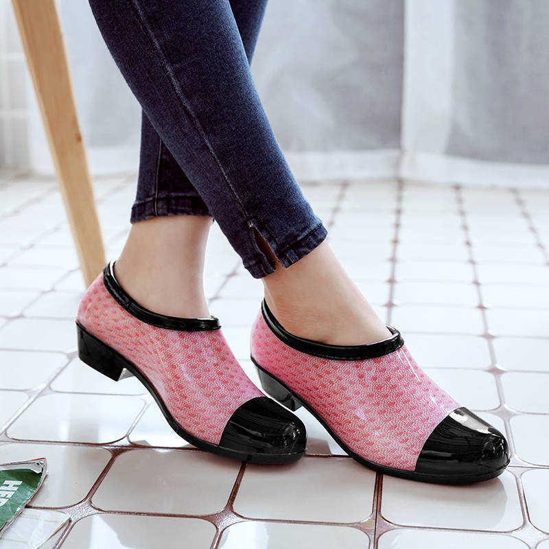 2019 yeni çıplak yağmur çizmeleri sığ out su ayakkabısı Antiskid mutfak çalışma ayakkabı kadın Unibody galoş kauçuk ayakkabı yumuşak PVC