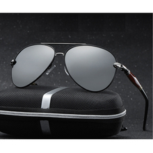 2020 새로운 남자 편광 된 선글라스 실버 금속 프레임 UV400 미러 렌즈 안경 상자 크기: 62 51 136mm