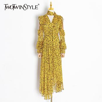 TWOTWINSTYLE Hollow Out Print sukienka w prążki dla kobiet V Neck z długim rękawem wysokiej talii wiosenne sukienki kobieta moda nowa odzież tanie i dobre opinie asymetryczne CN (pochodzenie) Na wiosnę jesień V-neck Rękaw-dzwon mankiety vintage Zwisające do podłogi COTTON POLIESTER