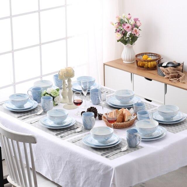Une vaisselle colorée pour une jolie table d'été