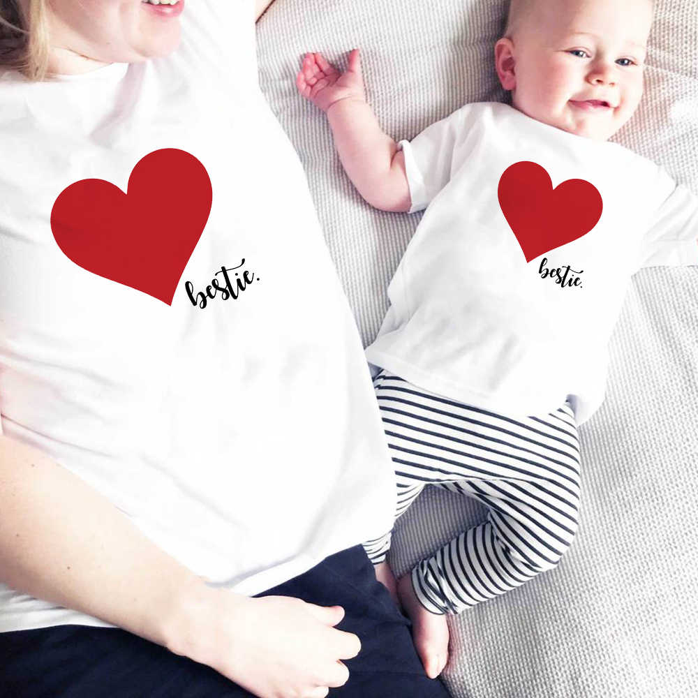 1pcs 1pcs Besties Heart Mom and Me Family Matching Shirt Summer Casual Mother and Daughter Son Tee Shirt Family Outfit Clothes
