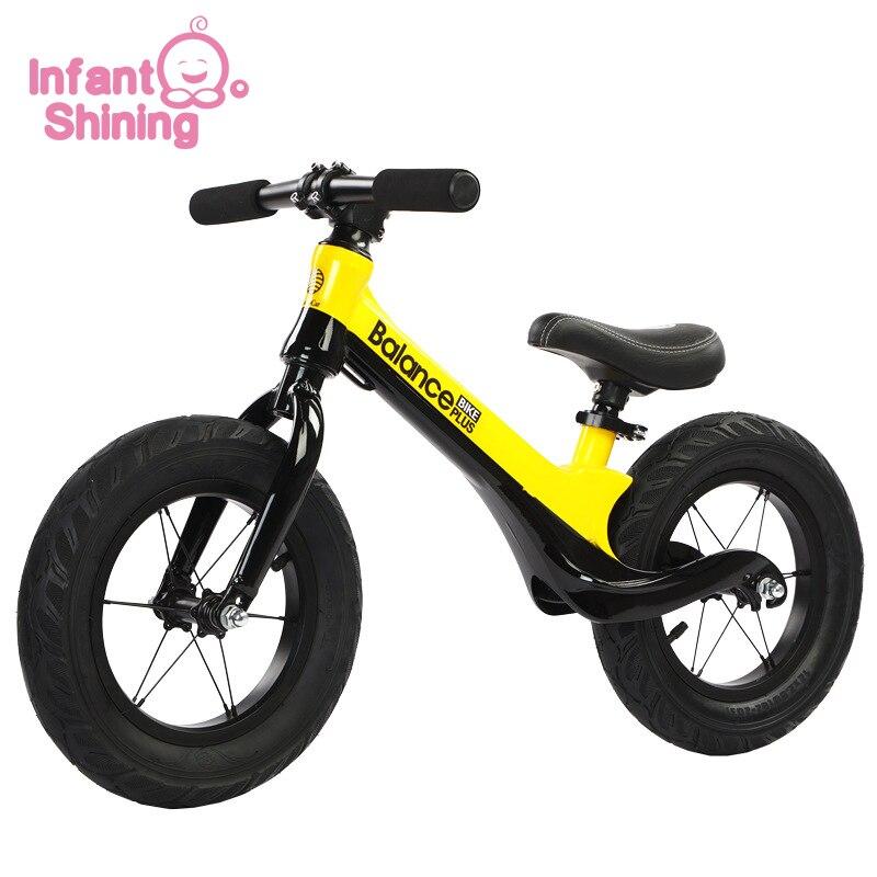 Niño brillante niños equilibrio bicicleta sin Pedal ultraligero práctica de conducción bicicleta aprender a caminar para 2 ~ 6 años de edad niños regalo