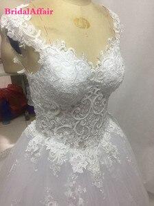Image 3 - Роскошное люксовое кружевное свадебное платье с открытой спиной и шлейфом