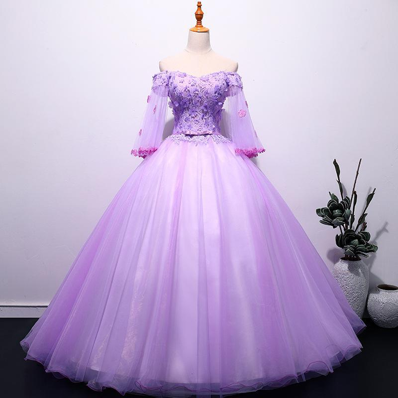 Elegant Lace Applique Quinceanera Dresses Vintage Boat Neck Half Sleeve Party Prom Dress Floor Length Stage Ball Gown