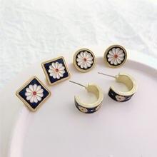 Серьги кольца в классическом стиле женские характерные ювелирные