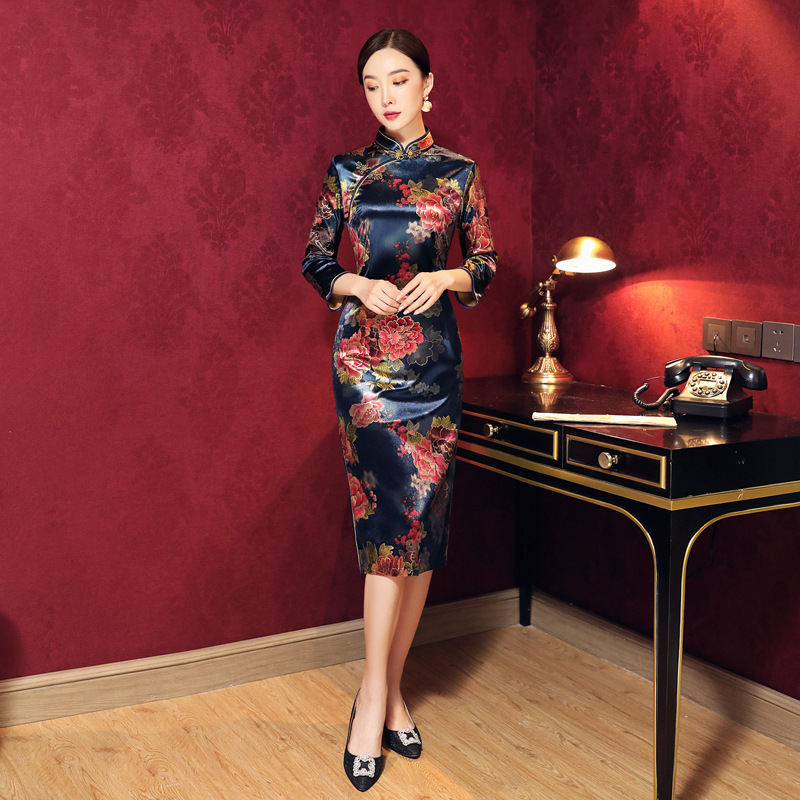 Flower Women Classic <font><b>Chinese</b></font> <font><b>Dress</b></font> <font><b>Sexy</b></font> Split Short Cheongsam Oversize 4xl Velvet Qipao Novelty Evening Party Gown Vestidos image