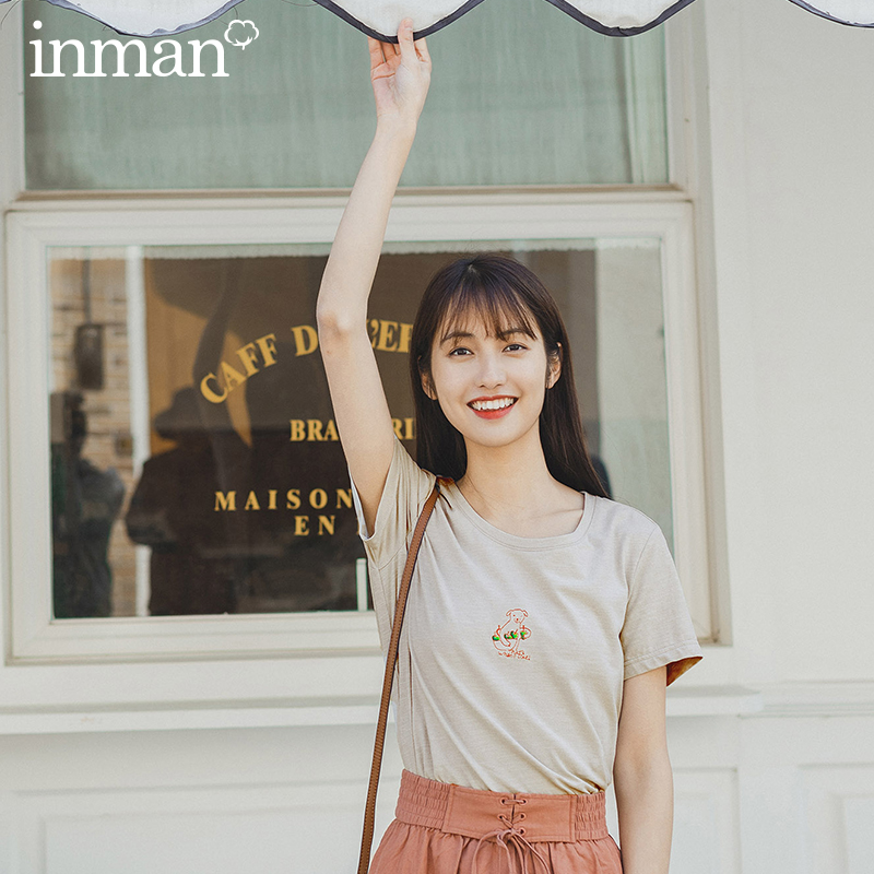 INMAN 2020 Summer New Arrival Artsy Style Light Gray Cute Bear Embroidery Pattern All Matched Fit Women Tops