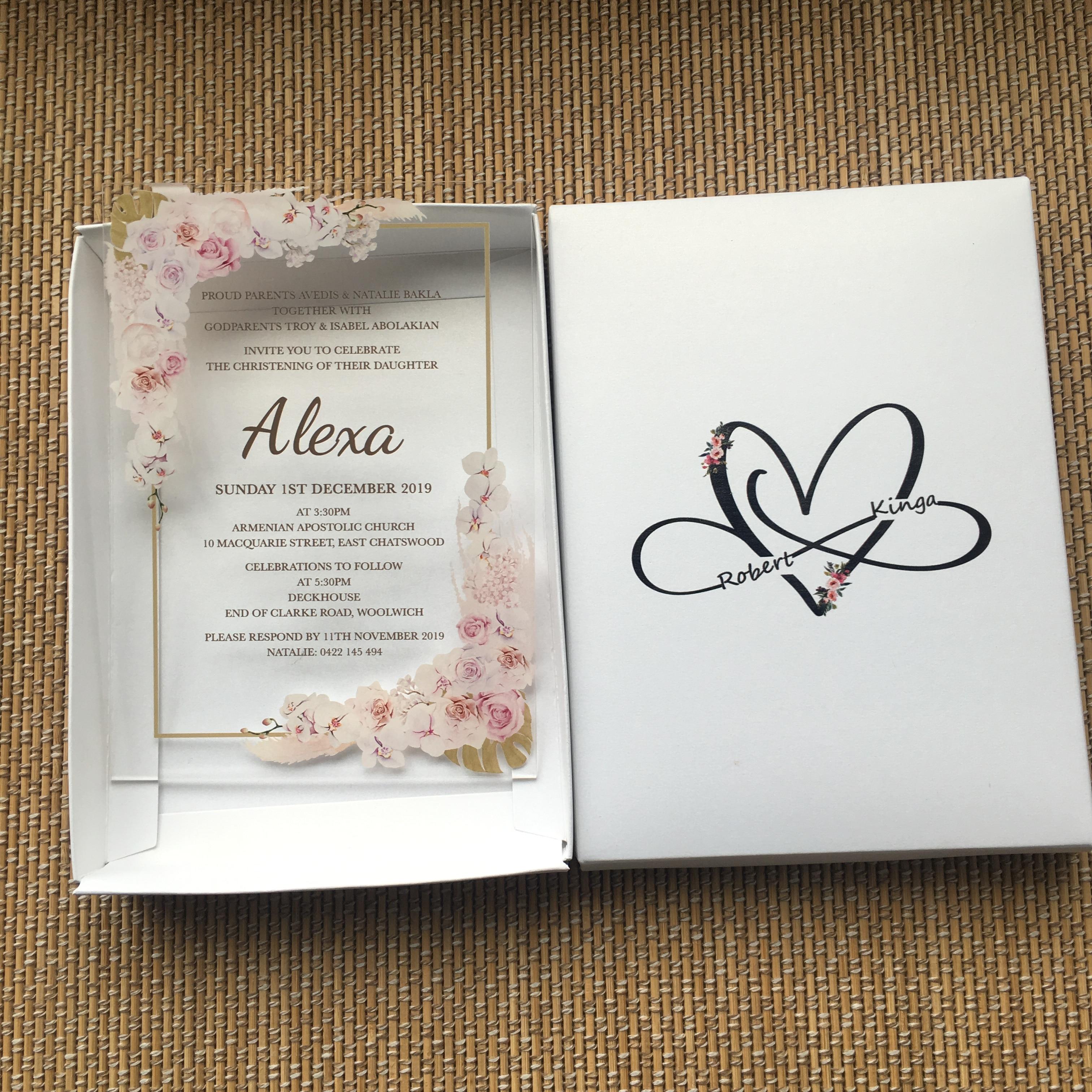 10pcs Super Elegant Wedding Cards Clear Acrylic Flower English Printing Vintage Invitation Cards Price