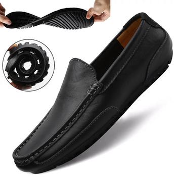 Skórzane buty męskie luksusowe modne 2020 wygodne wsuwane formalne mokasyny męskie mokasyny włoskie czarne męskie buty do jazdy samochodem trampki tanie i dobre opinie WIENJEE CN (pochodzenie) Skóra Split RUBBER shoes men Slip-on Pasuje prawda na wymiar weź swój normalny rozmiar Stałe