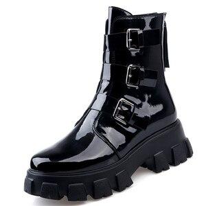 Image 2 - Fedonas 패션 버클 여성 오토바이 부츠 나이트 클럽 신발 여성 겨울 정품 가죽 여성 발목 부츠 플랫폼 부츠