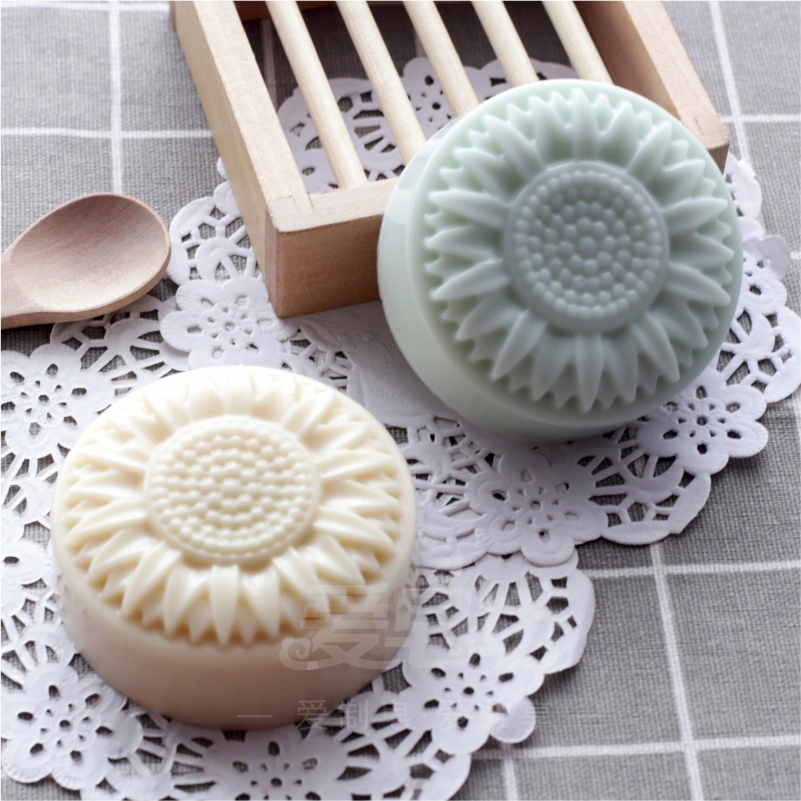 6 Holes Flower Mold Chrysanthemum Pattern Soap Mold Big Size Soap Mold Silicone Mold Party Favors