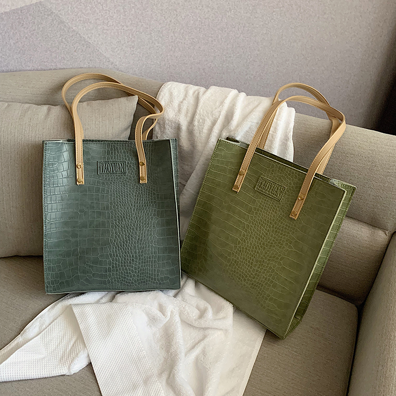 Retro Large-capacity Bag Female 2019 New Fashion Crocodile Pattern Portable Casual Student Shoulder Tote Bag