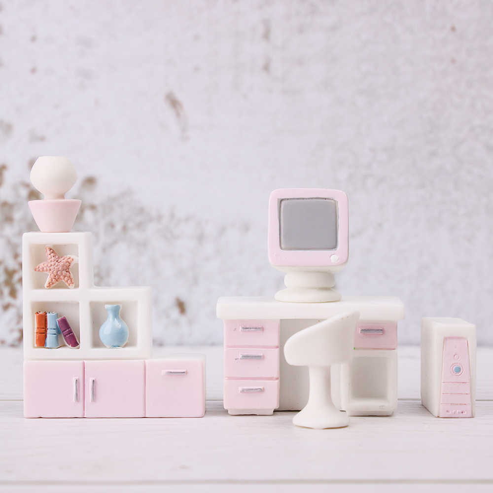 1PC Dolls Resin Toys Girls Gift Micro Landscape Toy Dollhouse Decor Simulation Fitment Miniature Furniture Kids doll Accessories