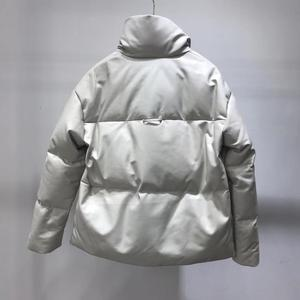 Image 2 - سترة جلدية حقيقية النساء الأبيض بطة أسفل جاكيتات جلد الغنم معطف 2020 الشتاء سميكة الدافئة معاطف وسترات النساء حجم كبير