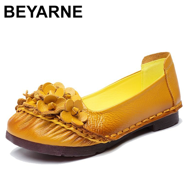 BEYARNE2019 Soft Genuine Leather Flat Shoes Women Flats with Flowers Ladies Shoes Women Designers Loafers Slip OnE865