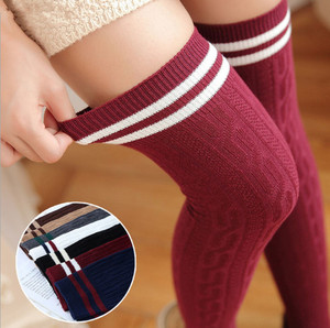 New 1Pair Japan Cute Style Striped Knee Socks Women Warm Long Stocking Cotton Thigh For Ladies High Over The Knee Stockings