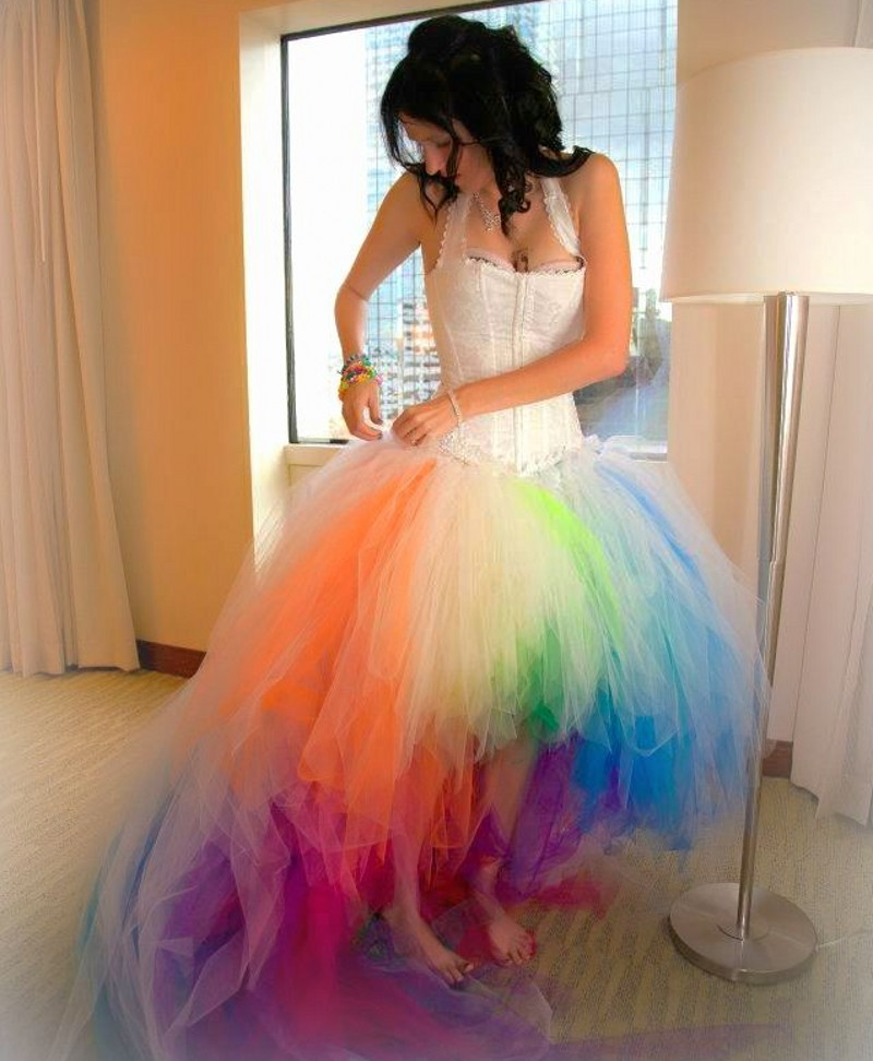 Vestido Novia 2018 Colorful Rainbow Sexy Halter Colored Short Front Long Back Hi Lo Bridal Gown For Beach Bridesmaid Dresses