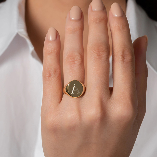 Customized Women Signet Ring Chunky Round Top Initial Letter Stamp Stainless Steel Punk Candid Fashion Jewelry