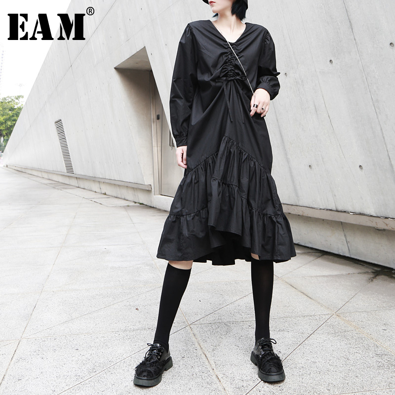[EAM] Women Drawstring Pleated Ruffles Big Hem Dress New V-Neck Long Sleeve Loose Fit Fashion Tide Spring Autumn 2020 1A630