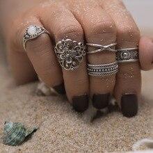 5pcs / set Boho Vintage Gold Hollow Flower Geometric Crystal Ring Set Women Sunshine Beach Surfing Jewelry Accessories faux ruby geometric flower jewelry set