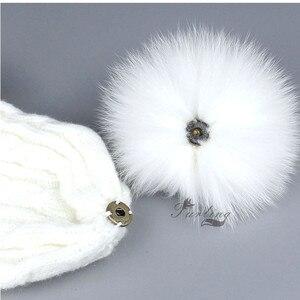 Image 3 - Furling 12pcs פו שועל הפרווה Pompoms 12CM/4.7 אינץ Pompoms עם עיתונות הצמד כפתור עבור כפה כובעים סריגה אבזרים סיטונאי