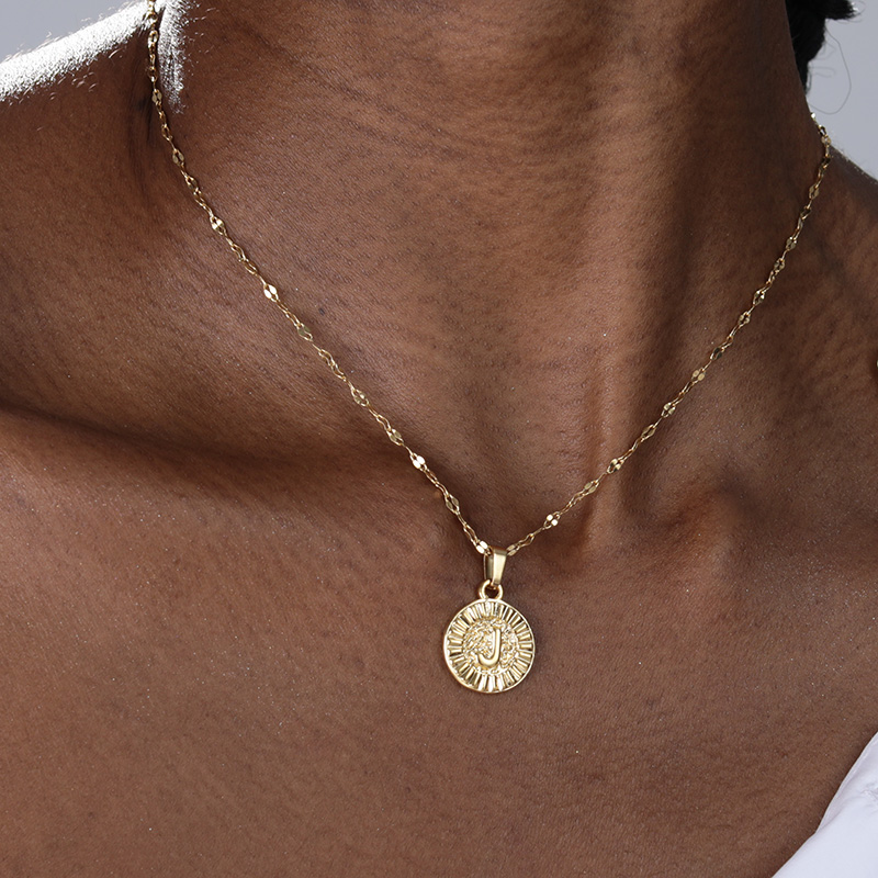 A-Z initial Round Letter Pendant Necklace For Women Stainless Steel Gold Choker Circle Coin Letter Necklace Birthday Jewelry BFF