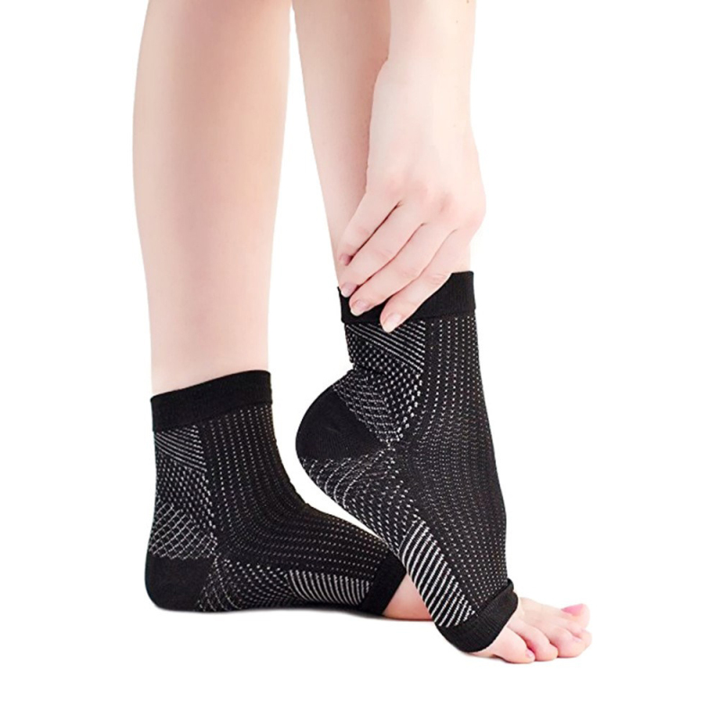 1 Pairs Of Foot Sleeves Copper Infused Magnetic Foot Support Compression Sock Adjustable Elastic Ankle Sleeve Brace SupportTSLM2