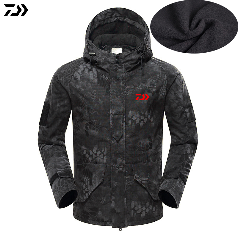 2019 New Daiwa Jacket Winter Python Camouflage Fishing Coat Velvet Windproof Fishing Hooded Outdoor Keep Warm Fishing Jacket Man