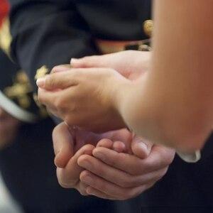 Image 5 - Kişiselleştirilmiş düğün Arrhae sikke Arras de Boda özel oyulmuş birlik paraları Set özelleştirilmiş isim gelin düğün töreni takı