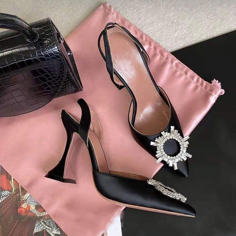 2020 donne di marca di Pompe di Cristallo di lusso Con Laccio Dietro degli Alti talloni di Estate Scarpe da sposa Confortevole triangolo Con I Tacchi Alti Del Partito Scarpe Da Sposa