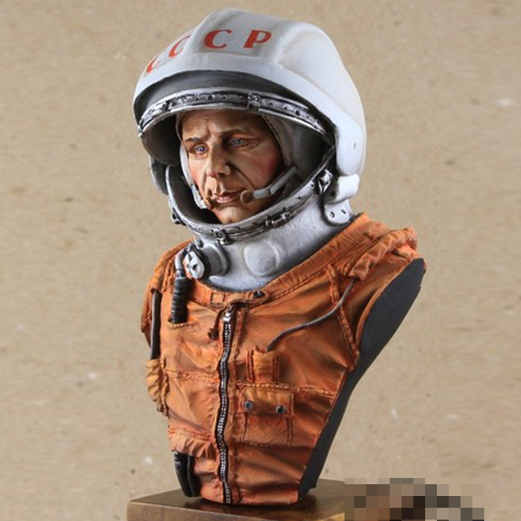 NEW 1/9 Resin Bust Model Kit  Space Adventurer Unassembled And Unpainted