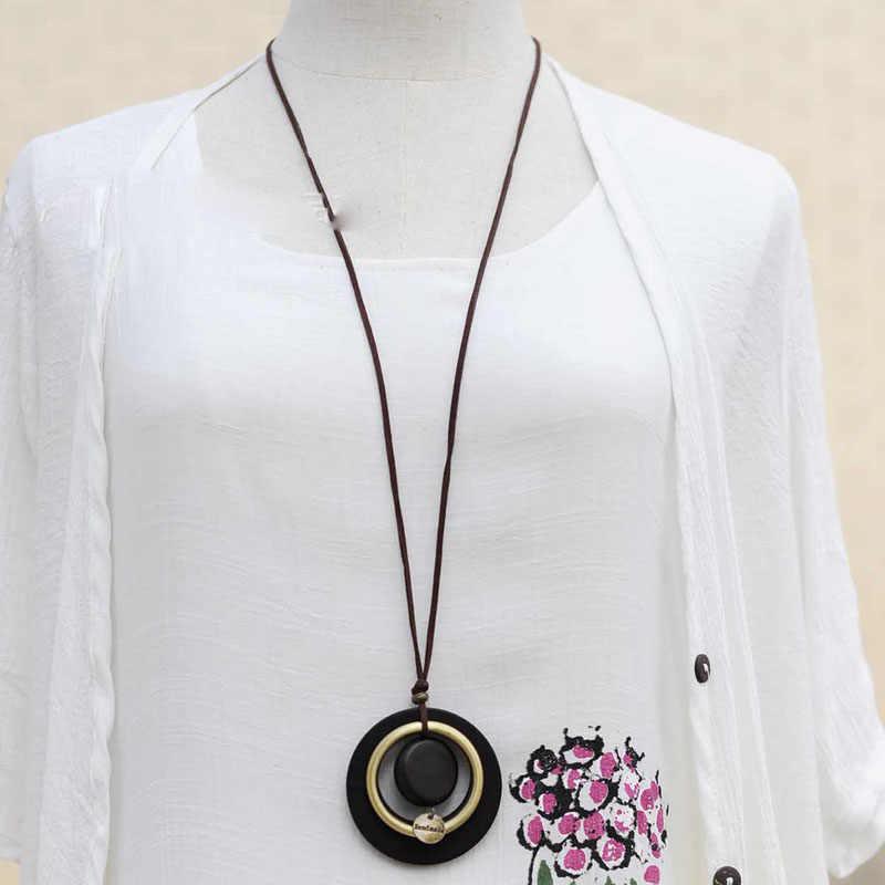 Retro mujeres suéter cadena círculo colgante madera redondo hecho a mano moneda collar cuero enlace joyería de moda