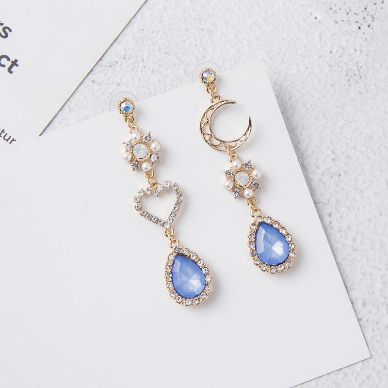 2019 New Sweet Asymmetry Shiny Rhinestone Love Heart Moon Drop Earrings for Women Long Blue Crystal Tassel Dangle Jewelry 6A2032