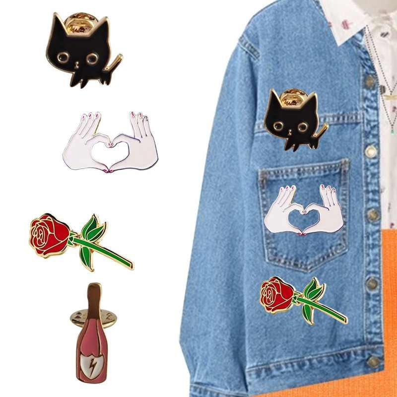 Kartun Hewan Indah Kucing Enamel Pin untuk Wanita Cocktail Anggur Vintage Bros Mawar Bunga Pin Lencana Aksesoris Ransel