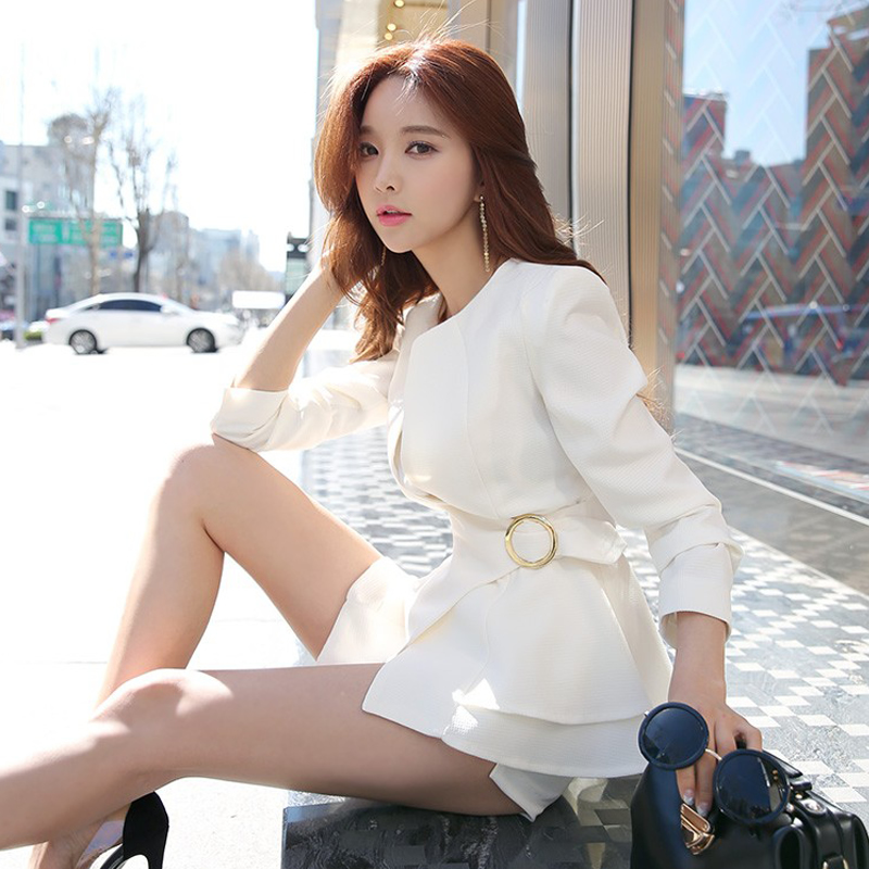 Korean Ruffle Female Blazer Short Slim Fit Blazer Woman Office Temperament Commuting Women Blazer New White Balck Jacket Women