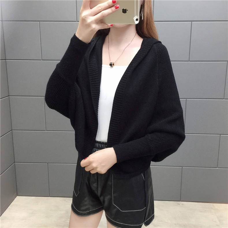 2019 Free send New style Korean loose and comfortable Autumn women Cardigan Sleeve of bat Hooded Sweater coat 141