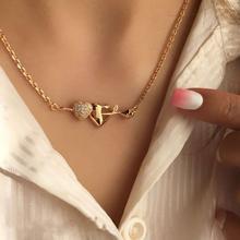 Женская цепочка с подвеской кристаллом в форме двух сердец