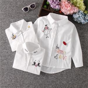 Image 1 - הגעה חדשה בנות לבן חולצה סתיו חמוד ארוך שרוולים ילדי Cartoon חולצות ילדה חולצות חתול בית ספר נער בגדי ילדי חולצות