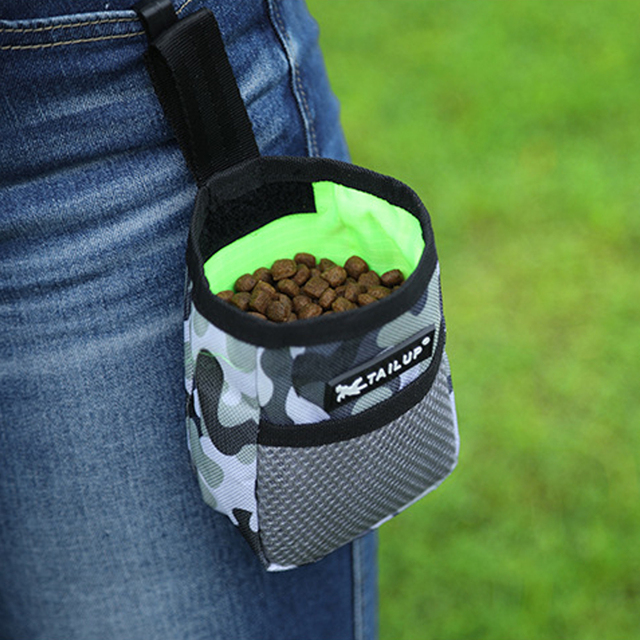 Outdoor Portable Training Dog Snack Bag  1