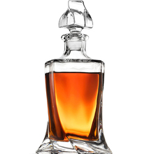 Hellodream luxury crystal glass whiskey decanter lead-free whiskey liquor for Alcohol Bourbon Scotch 27.05 oz
