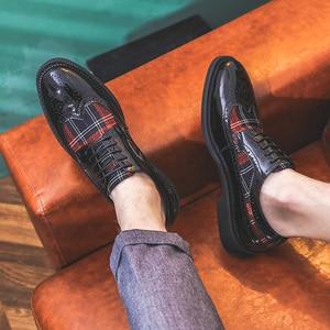 Image 3 - Misalwa chaussures Oxford à ailettes modernes pour hommes, couleurs vertes, rouges, personnalité, souliers en cuir verni, à bout pointu