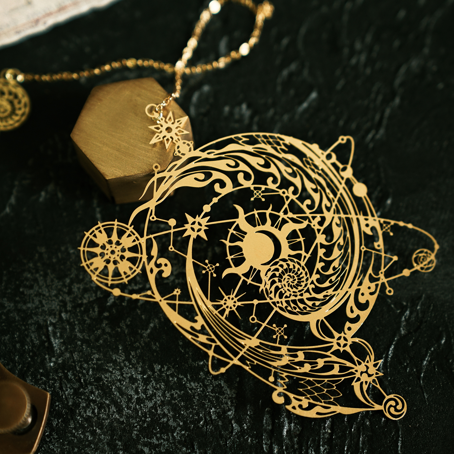Cool Hollow Out Design The Mysterious Universe Creative Metal Bookmark Gift 95mm*73mm Free Shipping