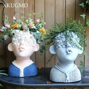Kissing Boy Cement Flower Pot Painting Characters Flower Sculpture Crafts Decoration Flower Arrangement Container Garden Potted
