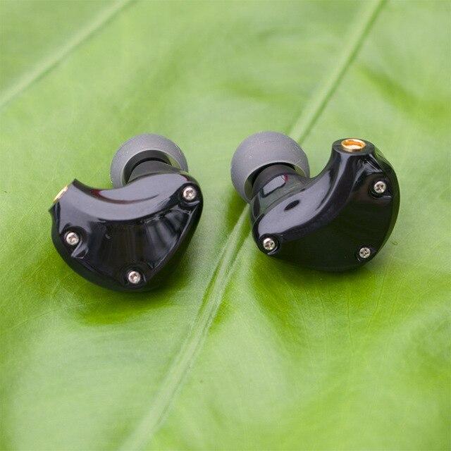 D2 스테레오 하이브리드 이어폰 1BA + 1DD MMCX HIFI 이어 버드 맞춤형 MMCX 헤드폰 DJ 모니터 KZ 케이블 플레이어 용 전화 헤드셋